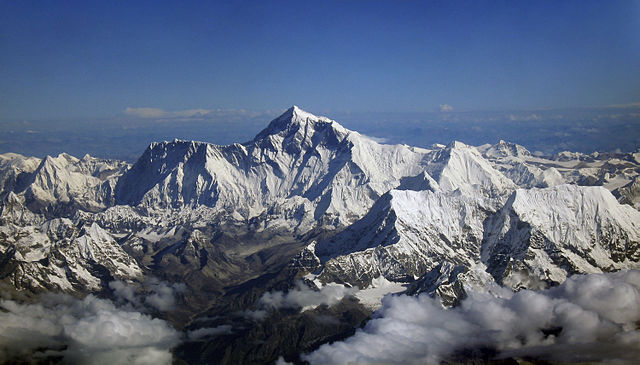 640px-Mount_Everest_as_seen_from_Drukair2